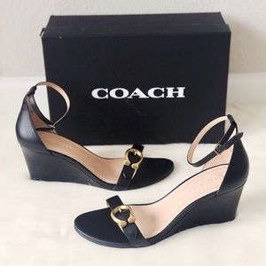 ✨New COACH Odetta Wedge Ankle Strap Leather Sandal